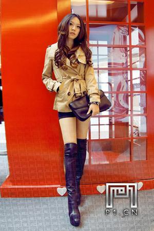 重庆美女街拍:打望是一种乐趣 竖