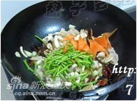 美食厨房:欲罢不能越嚼越滋味 学做干煸鱿鱼须