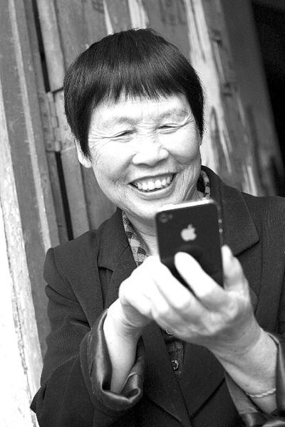 """""""我很想念她,希望早点见到她""""   """"我是个被外国人领养的中国女孩儿"""