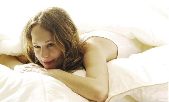 什么样的睡姿对女人的身体有好处?