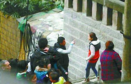在重庆拍摄《宝马狂想曲》