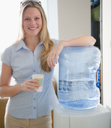 桶装水5天就过期?五招辨认水质优劣