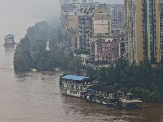 重庆遭遇31年来最大洪峰