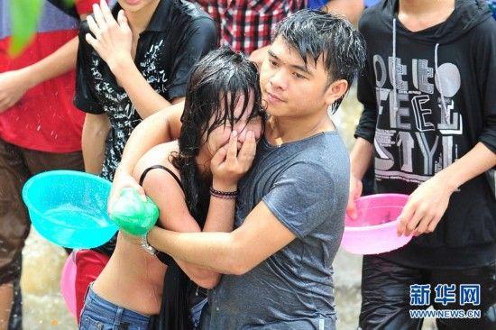 海南七仙岭嬉水节数十名女性被袭胸性骚扰