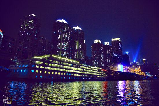重庆游船夜景