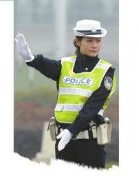 交警冯立。