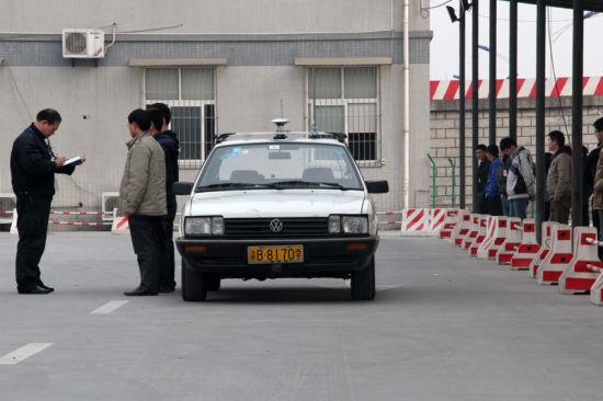 重庆双福考场全程监控每一位驾考考生的考试情况