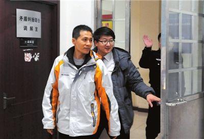 昨天下午5点30分,西城区德外派出所,朱瑞峰结束了与来自重庆的民警的谈话。