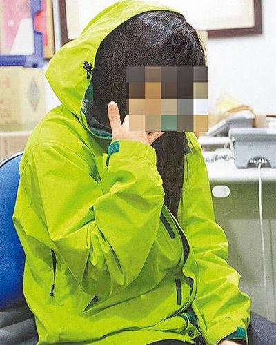 18岁少女从3岁起便被父亲猥亵,少女想起纠缠15年的噩梦,不禁落泪
