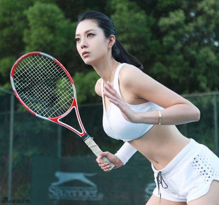 重庆美女艾尚真被称第一黄金比例身材