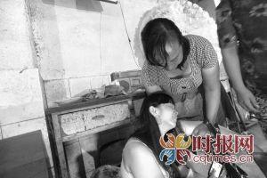 渝北区洛碛镇,小鹏的妈妈想到与孩子从此阴阳两隔,哭得伤心欲绝
