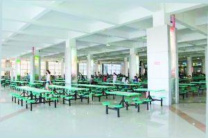 食堂:这就是我们的食堂,唯一的食堂!!!一楼二楼差别不大,三楼稍贵,饭也稍好
