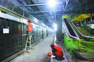 9月21日,轨道6号线蔡家站,正在施工中的站台。