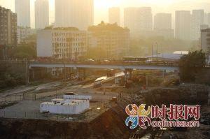 沙坪坝站东路,沙区火车站综合枢纽改造项目中将要拆除的天陈路大桥
