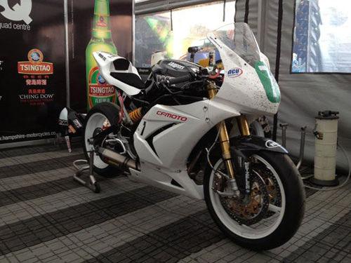 曼岛tt摩托车大赛春风650nk表现惊艳