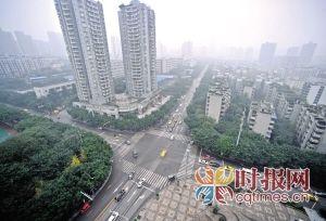 南岸区昌龙城市花园路口,按照规划这里有可能会修建一座环形天桥