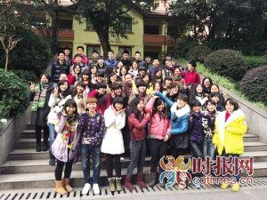 重庆外国语学校AP班,高三年级55名学生已收到了108封国外知名大学录取通知书