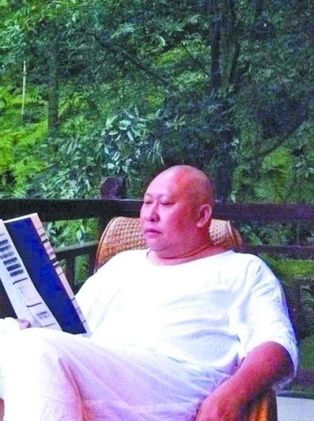 本土诗人吴丹诗词书法集问世,他将重庆方言融入古体诗创作