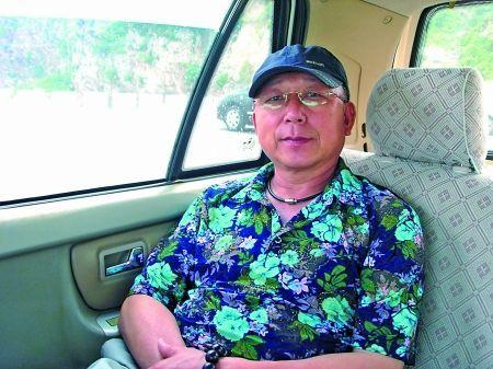 """65岁的刘善国是""""鼠绘达人"""""""
