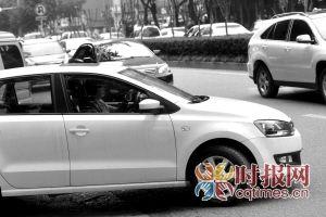女司机相对更遵纪守法些,很少出现闯红灯、随意超车加塞等