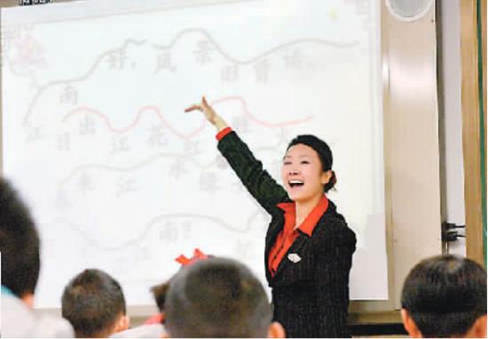 谢家湾小学,音乐教师用唱歌的方式上语文课(资料图片)