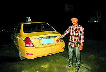 被民警查获的酒后驾车的哥和出租车 渝北警方供图