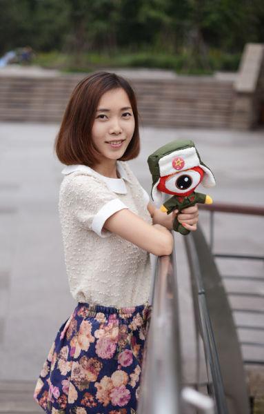 重庆美女催眠大师爱踢球