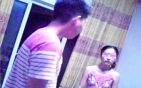 赵仙(化名)正在和男友争吵