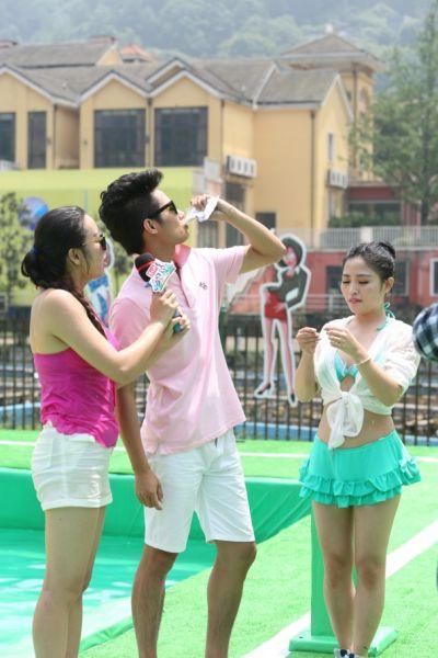重庆女子团体水上双赛道冲关节目掀起收视狂潮