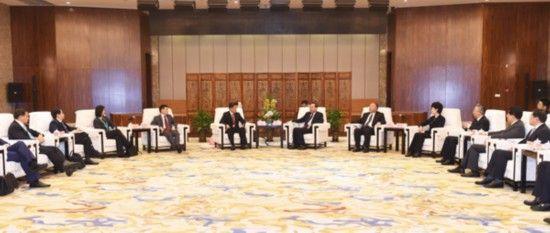 2015年2月1日,中共中央政治局委员、市委书记孙政才会见中新第三个政府间合作项目联合考察组一行。