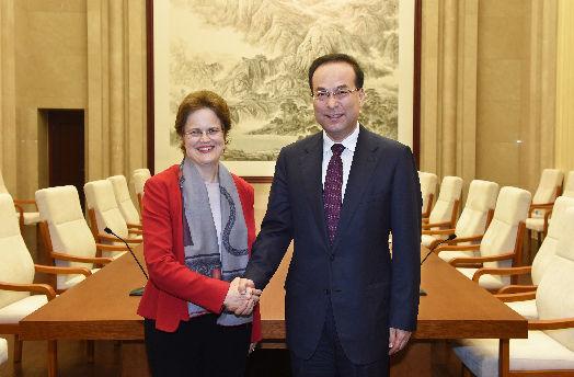 2015年2月13日,中共中央政治局委员、市委书记孙政才会见澳大利亚驻华大使孙芳安。