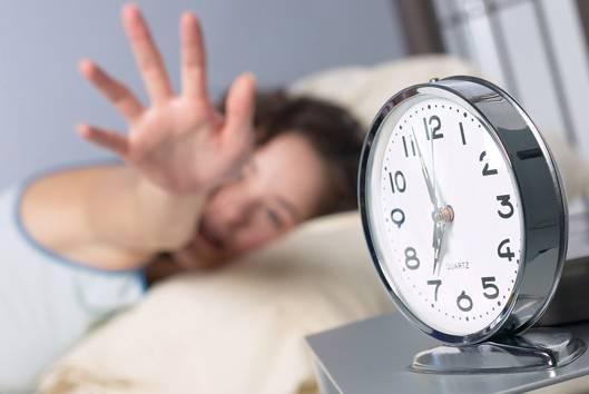 自测!你这个年龄每天睡几小时最好