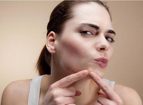 春季脸部易干燥起皮 这些方法能让肌肤水嫩起来