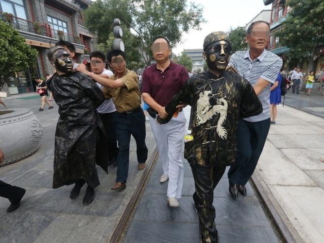 铜人欺诈游客被捕