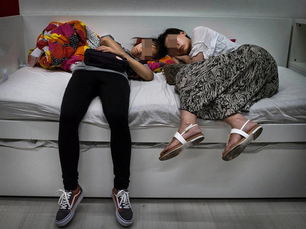 宜家蹭睡的中国人
