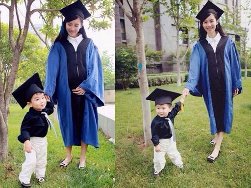 美女带子拍毕业照