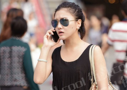 重庆街拍打望清凉妹儿