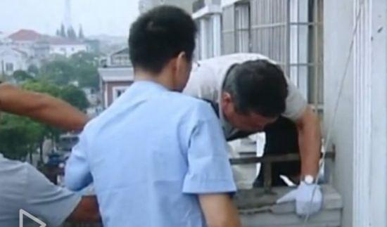 视频:19岁未婚妈妈产子将其抛出窗户致死