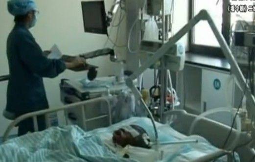 夫妻吵架泼汽油四岁小孩不治身亡