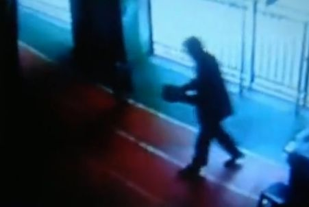 视频:幼儿园50岁保安猥亵3岁女童