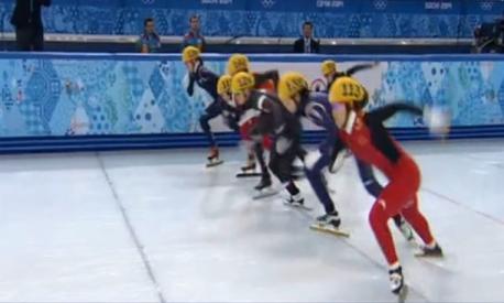 周洋卫冕1500米冠军 李坚柔摔倒无缘奖牌