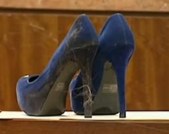 女子用14厘米高跟鞋扎死男友