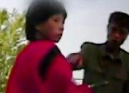 """实拍朝鲜""""城管""""街头执法与女子推搡"""