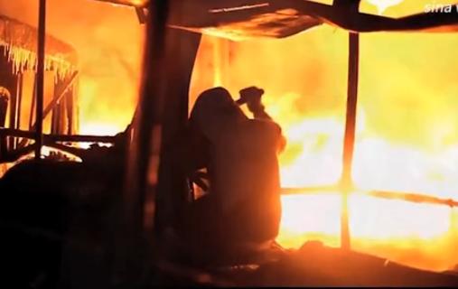 乌克兰爆发冲突 美女拍短片求援