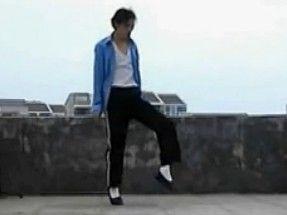农民工炫MJ太空步