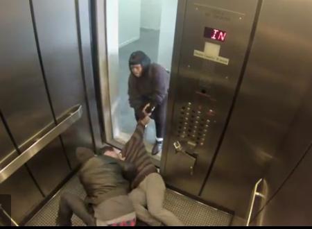 视频:电梯恶作剧实验测人性,爆笑