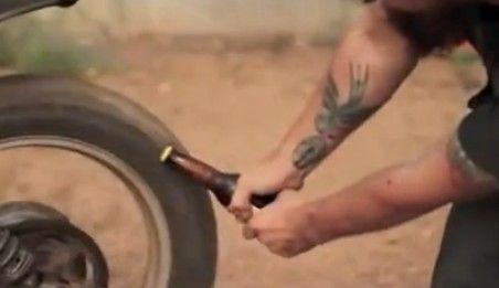视频:民间牛人各种奇葩开啤酒瓶法