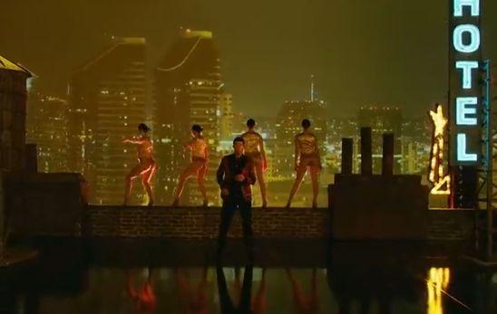 Robin Thicke香艳《Feel Good》MV