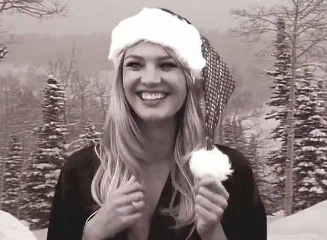 视频:维秘天使唱圣诞歌庆祝节日