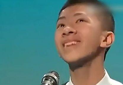 视频:香港中学生超独特朗诵走红